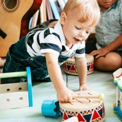 Que beneficios ofrece la música en la etapa infantil