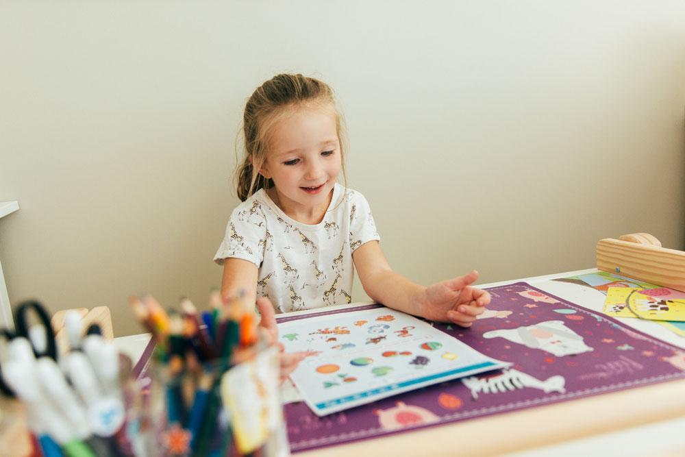 ¿A quién compete regular la Educación Infantil en Castilla-La Mancha?